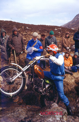 NNC 01 12 11B 046 