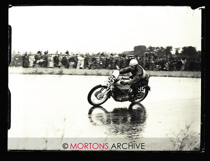 053 SFTP 1951 Thruxton A01 
