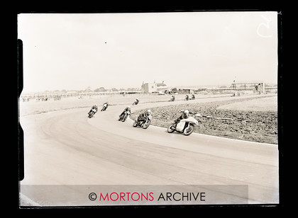 062 Glass Plate 01 