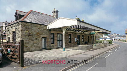 048 BETJEMAN 