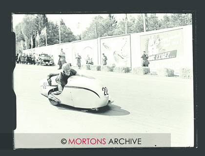 047 Glass Plate 03 Box-16015 