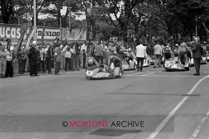 1978 TT 9m20   No. 14, Trevor Ireson & Michael Allsworth on a 694 Yamaha   Keywords: 1978 Sidecar TT, Action, Isle of Man, Mortons Archive, Mortons Media Group, Nick Nicholls, Startline