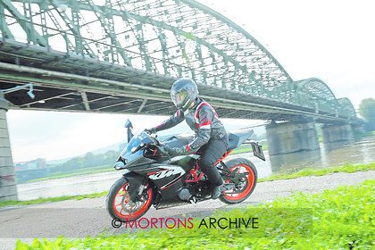 004 Cntnts KTM RC125 