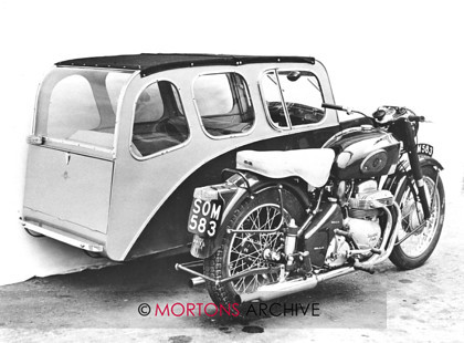014 Ariel Square Four 06 