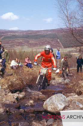 NNC 01 12 11A 040 