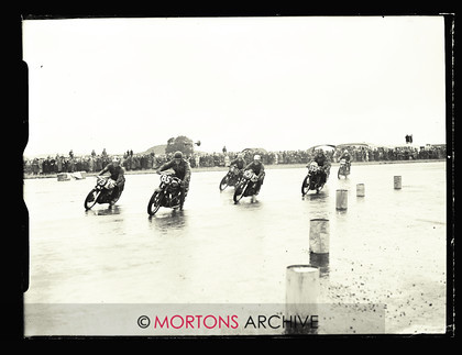 053 SFTP 1951 Thruxton A05 
